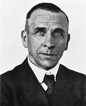 What evidence did Alfred Wegener use to support his theory of continental drift? Q1