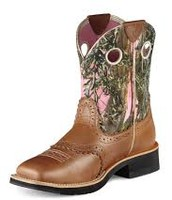 camo cowgirl boots.
