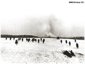 Наступление советской пехоты при поддержке танков