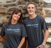 """""""Outlive yourself"""" T-Shirts"""