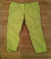 37. Old Navy, Size 16 Crops
