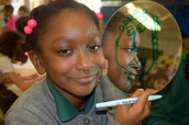Nadiyah Uses Mirror To Draw!