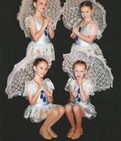 Dancers- Holly Me neve Jessica