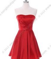 El vestido es rojo.