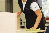 Nós cuidamos da limpeza da sua empresa para você cuidar melhor do seu negócio.