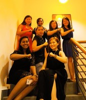 Check out the ladies + one Sam xD