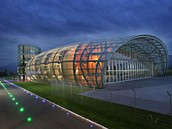 hangar-hangar