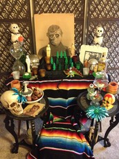 Sat. Oct. 17th : Dia de los Muertos ofrendas and Halloween costume make/swap!