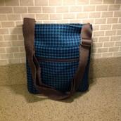 Organizing Shoulder Bag - NEW