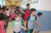 5th grade students as kinder helpers