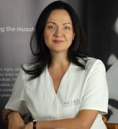 Грамотный подход к уходу за своим телом с учетом женских биоритмов озвучила в своей книге Тийна Орасмяэ-Медер - врач-косметолог, президент центра эстетической косметологии, врач-эксперт по косметической безопасности при Европарламенте (Франция-Россия).