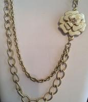 La Coco Brooch Necklace
