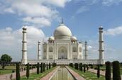 """11 дни -  2 нощувки в Делхи, посещение на забележителния храм Тадж Махал, 7 нощувки в лечебен център """"Шиншива"""""""