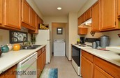 GREAT KITCHEN W/SPACIOUS CABINETS