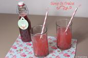Un sirop de fraise à l'eau