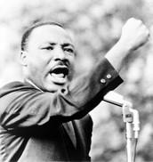 MLK giving his speech