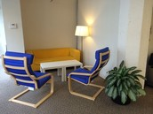 Exclusive lounge area for front space