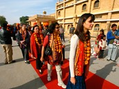 Specialized Delhi Agra Jaipur Tour Packages (Golden Triangle Tour)