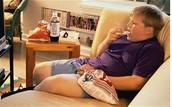 Unhealthy eating habits like eating potata chips.