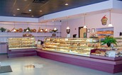 Come to Ucakes!