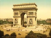 Whats the structure of the arc de Triomphe?