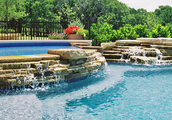 Looking for a professional, qualified and affordable pool maintenance team?