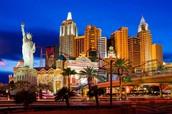 Voy a ir a Las Vegas.  Yo voy a quedar en el hotel y casino de Nueva York Nueva York