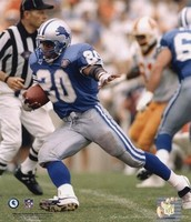 Barry Sanders running through the middle for a touchdown against the Redskins