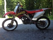 Honda four stroke dirt bike