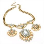 Inoa Necklace