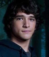 Derek Souza (Scott McCall - Teen Wolf, potrayed by Tyler Posey)