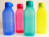 BIG AND COLOUR FULL TUPPERWARE BOTTLE SET