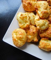 Gougères (French cheese balls)