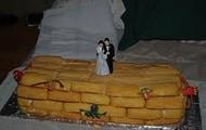 Classy and Tasteful Wedding Cake