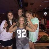 bowling besties