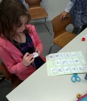 Sorting spelling words into groups