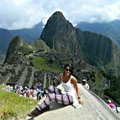 Layanne em Machu Picchu no Perú