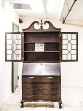 Pier 44 Antique Auction Gallery