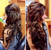 Aastha's curly hair