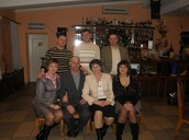 На цьому фото бабуся, дідусь, мама, тато, тітка та 2 дядьки