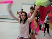 girls turn to juggle