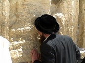 Rabbi praying