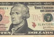 10 dollarit.