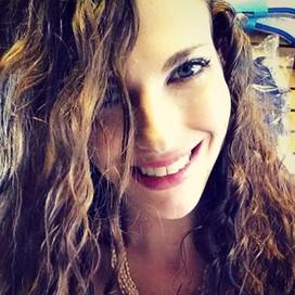 Dina  Davis profile pic