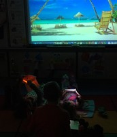 LOVE  flashlight reading during beach day!