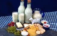 Yoghurt, Milk and Soymilk