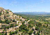 Gordes in the day time