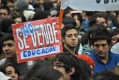 Los Chilenos Protestan