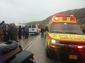 האמבולנסים והמשטרה שהגיעו לאזור
