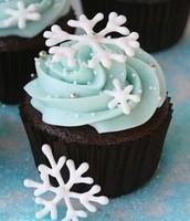 snowflake winter cupcake
